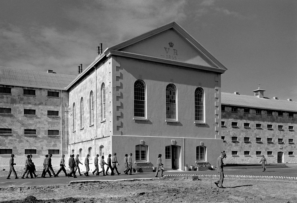 Inmates returning to Fremantle Prison (Source: Wikimedia Commons)