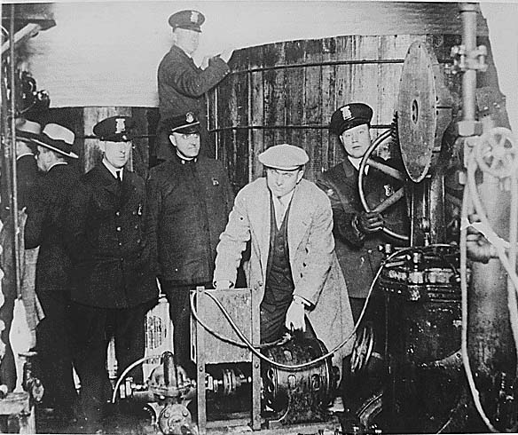 Prohibition Era USA (Source: Wikimedia Commons - National Archives and Records Administration)