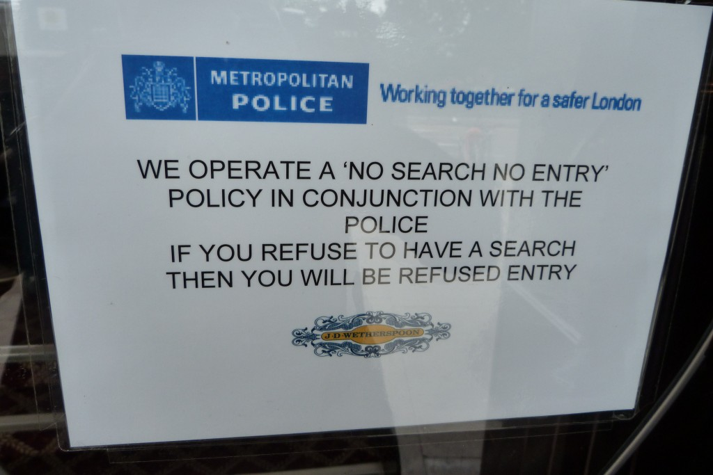 Police search sign (Flickr - Gordon Joly)