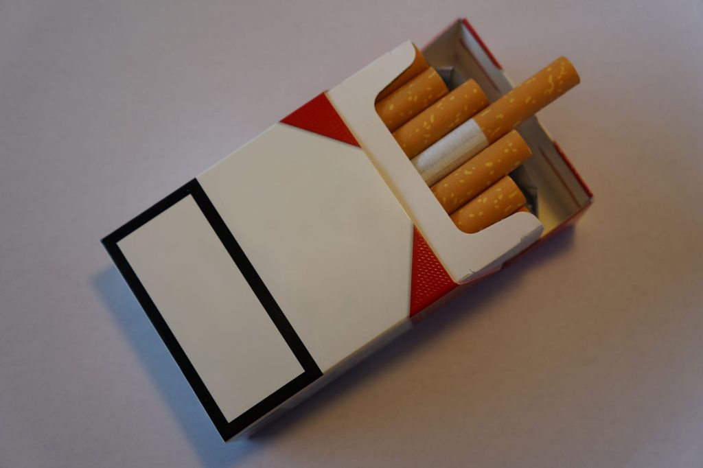 Plain Cigarette Packet. (Wikimedia Commons)